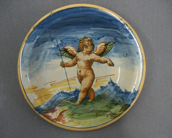 Maiolica dish after conservation