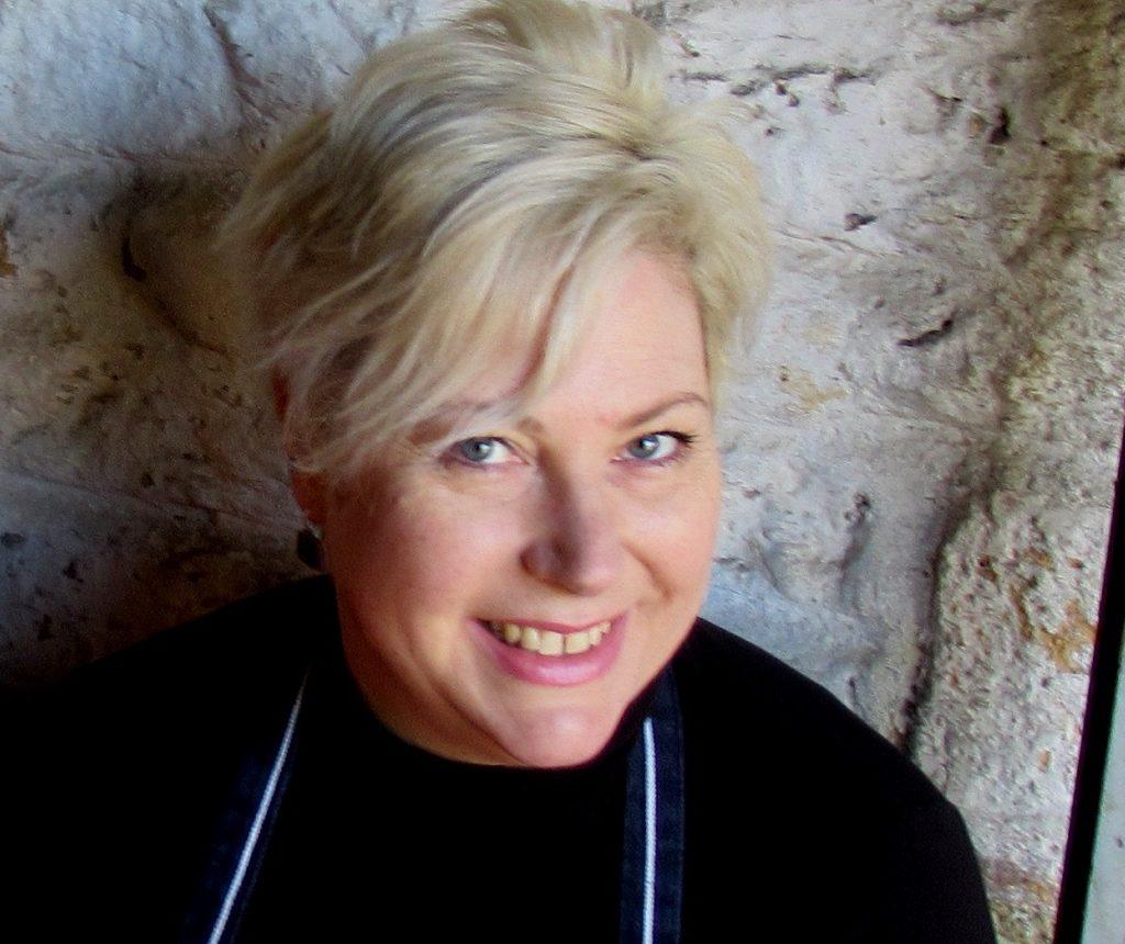Jo Taylor. Holburne Museum Adult Workshop: Ceramics- Blue and White Pots