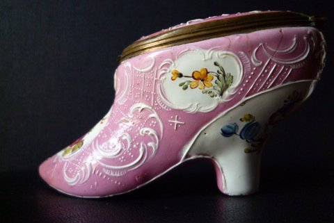 Snuffbox in the form of a shoe 2/4